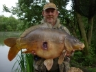 Kevin Righton 27lbs 6oz Mirror Carp from Rookley Country Park using C.C Moore's Live System.