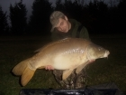 29lbs 8oz Mirror Carp from The Monument. http://www.youtube.com/watch?v=gNqtuKeJ4M0 (copy & paste the link)