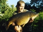 24lbs 0oz Carp from Castlemere. Size 8 drennan super specialist, 8lb Berkley XL hooklink, super glued to shank of hook