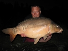 34lbs 3oz mirror carp from Les Croix using Mainline.. semi fixed rig nash size 8 blow back rig