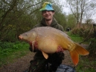 Paul Fox 28lbs 7oz Mirror Carp from Hawkhurst Fish Farm using Dynamite.. spotted active carp and stuck rod on it.
