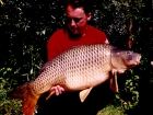 30lbs 0oz Common Carp from Les Quis. This was the most productive of our trips to Les Quis with 19 carp during the week. This one was stalked on a patch of bubbles found on the end of the wind.